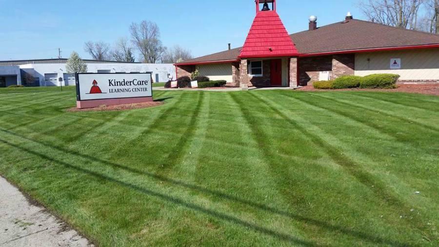 Toledo Ohio Lawn Landscape Company Offering Toledo Lawn And